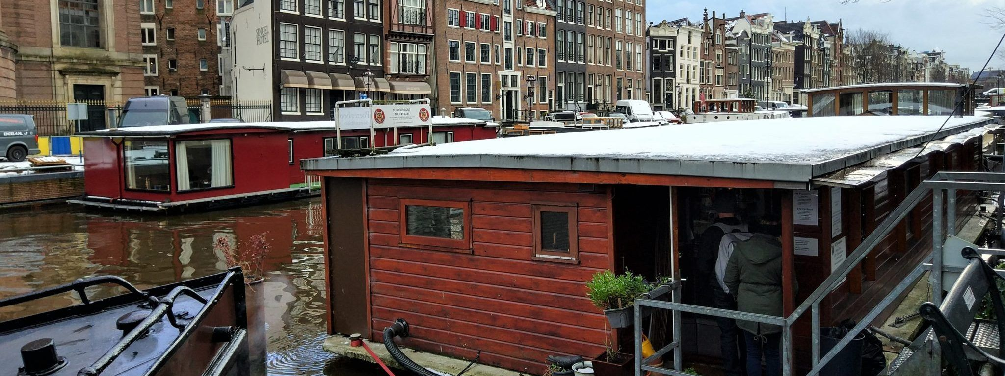 De Poezenboot, un barco en Amsterdam lleno de gatos