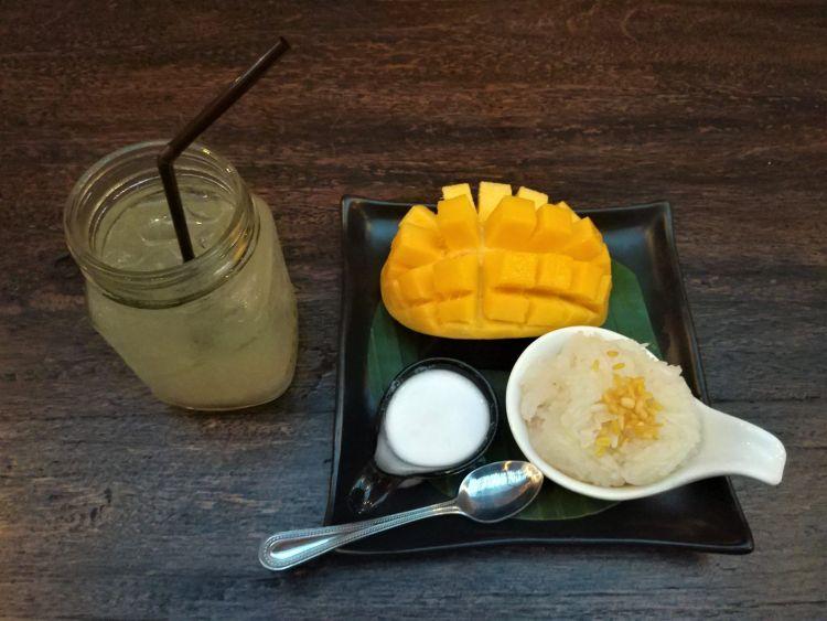 Mango sticky riceMango