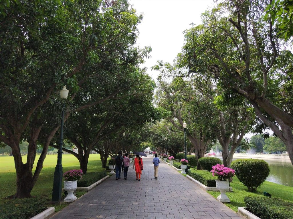 Paseo principal Bang Pa In