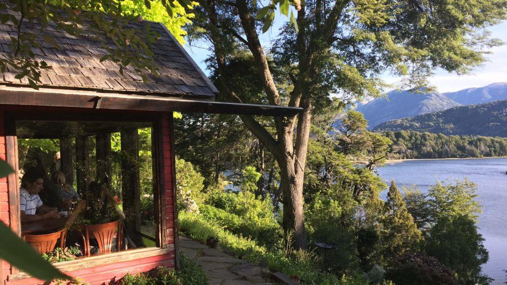 Bellevue Bariloche  Casa de té y tortas atendido por sus dueños