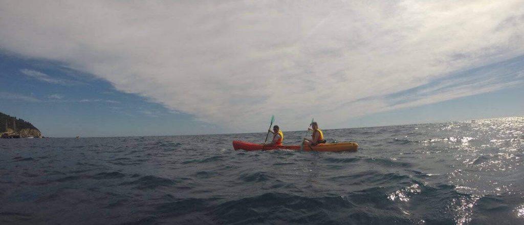 Haciendo kayak en Dubrovnik