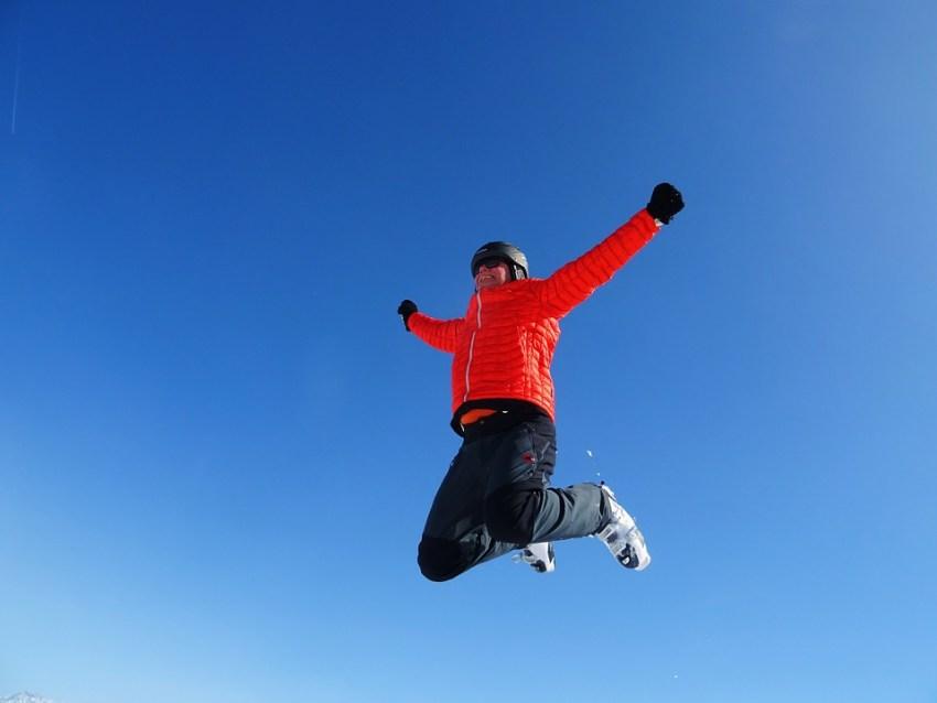 skiing-1569135_960_720-viajarparavivir-nieve