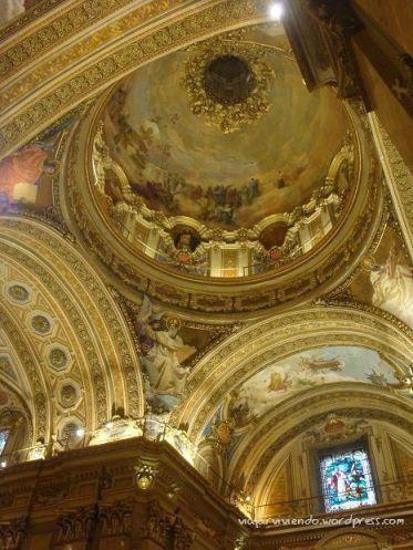 La Catedral por dentro de Córdoba capital, Argentina