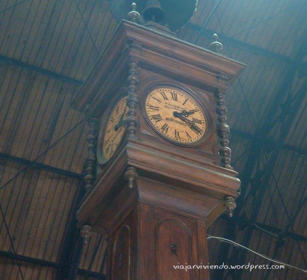 reloj mercado del puerto Montevideo