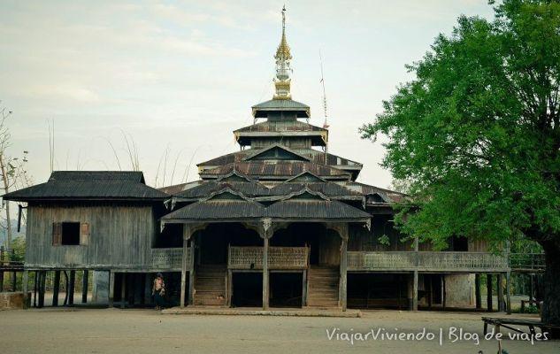 monasterio en trekking a inle