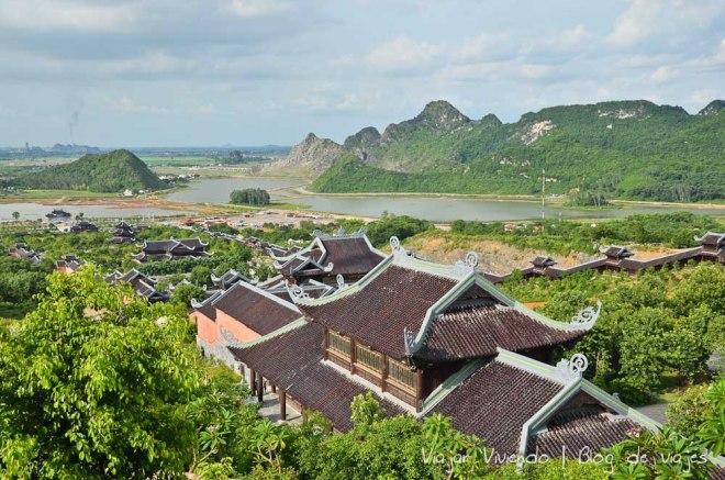 Pagoda Bai Ding ninh binh vietnam