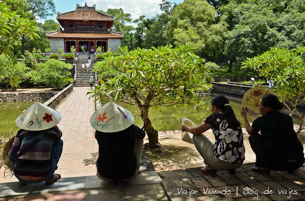 tumba real hue vietnam