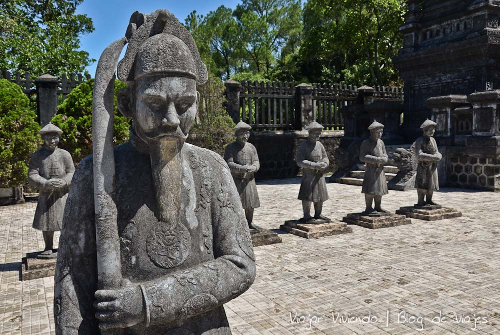 que ver en Vietnam - recorrer tumba real hue