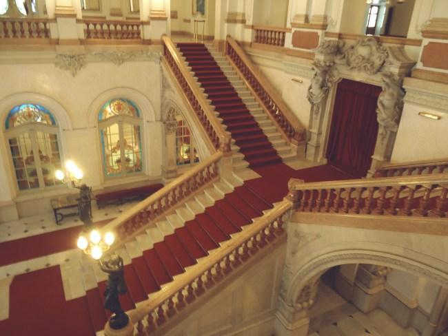 Teatros y museosa