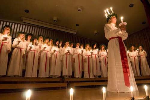 Procesión de Lucía, una tradición navideña sueca : Viaje a Escandinavia