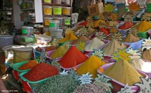 viaje-tunez-mercado-especias-gabes