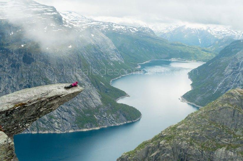Trolltunga Noruega viaje fiordos
