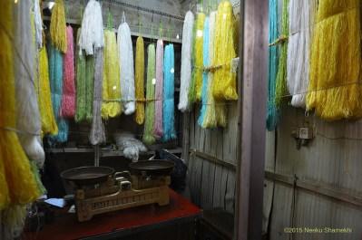 Puesto de seda en el bazar de Tabriz