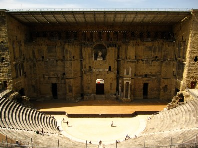 teatro-romano-y-sus-alrededores-y-arco-del-triunfo-de-orange