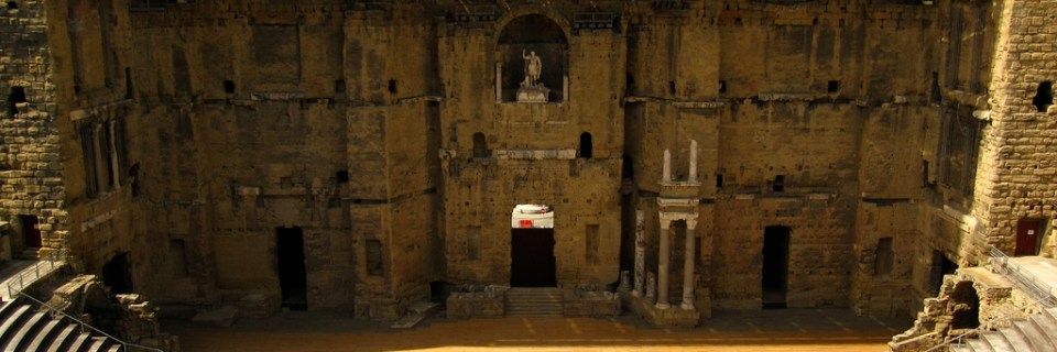 Teatro romano y sus alrededores y Arco del Triunfo de Orange