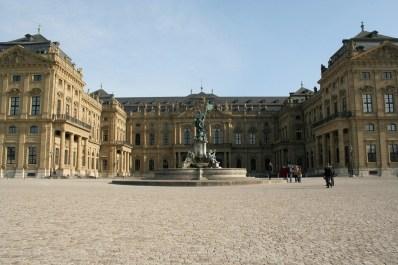 residencia-de-wurzburgo-jardines-de-la-corte-y-plaza-de-la-residencia