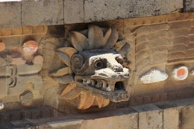Detalle escultórico de Quetzalcoatl