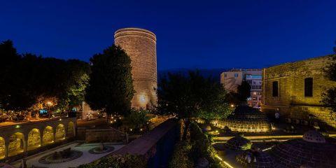 Ciudad amurallada de Bakú, palacio de los sahs de Shirvan y Torre de la Virgen