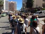 Casi todos los participantes llevaron puestos sus sombreros de paja durante el recorrido entre los nuevos edificios