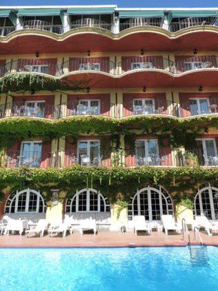 Vista de parte del hotel