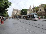 Pequeño metro tranvía de Sevilla. Trayecto corto por el centro
