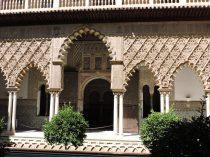Hermosos arcos, dentro del Palacio princial de El Alcazar