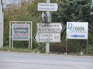Caminar al centro de Kumanovo, mañana Skopje