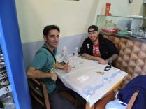 Comiendo en Luli, restaurante italiano de Durres