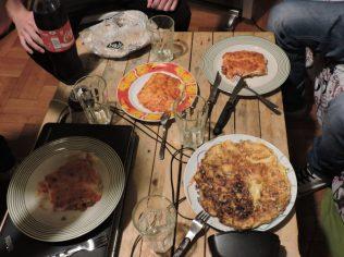 Parte de la cena: lasaña a la boñonesa y revuelto de champiñones