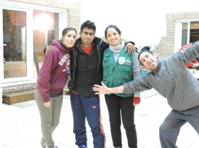Con voluntarias de España