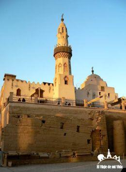 Restos de mezquitas construidas en el templo de Lúxor