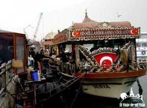 Los barcos del puente de Galata