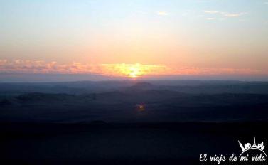 Puesta de sol en el desierto de Huacachina