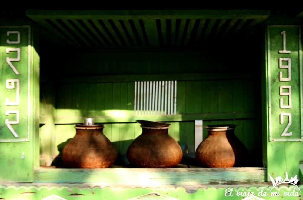 botijos-agua-myanmar