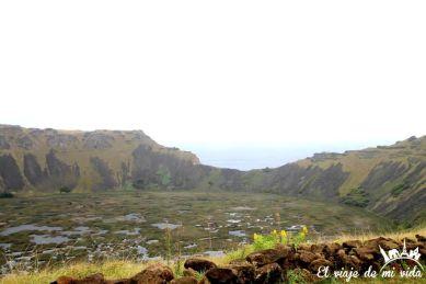El cráter del volcán Rano Kau en la Isla de Pascua, Chile