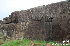 Los ahu con construcciones que recuerdan los incas