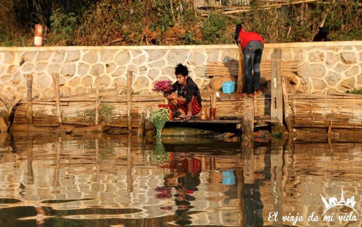 Indein en el lago Inle, Myanmar