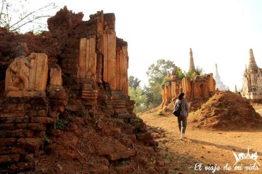 Solos y perdidos entre ruinas milenarias