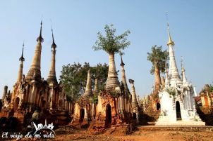 Estupas en Indein, junto al lago Inle, Myanmar