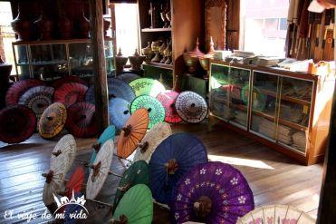 Paraguas de papel artesanales