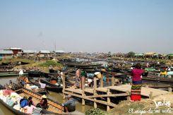El mercado Nyaung Shwe en Myanmar