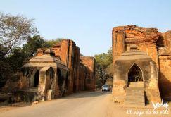 Cruzando una y otra vez las puertas de Old Bagan