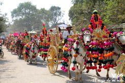 Celebraciones birmanas de camino de un lado a otro