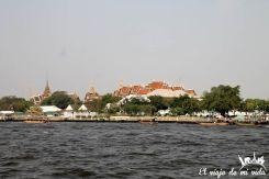 El gran palacio desde el río