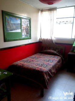 Habitación sencilla con baño compartido en Otavalo