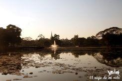 Lago Kandawgyi en Yangón, Myanmar