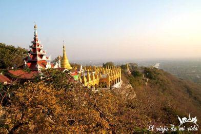 Atardecer sobre la colina de Mandalay