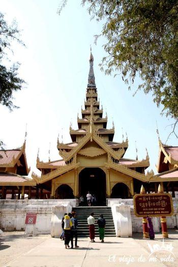 Entrada al Palacio Real de Mandalay, Myanmar