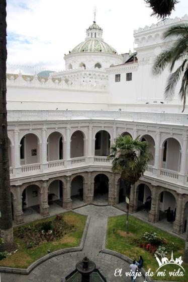 Vistas desde el Museo Cultural Metropolitano de Quito, Ecuador