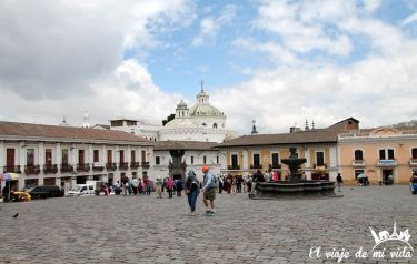 La Plaza de San Francisco, Quito, Ecuador